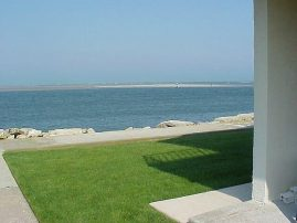 OCEANFRONT - NO BETTER VIEW, NO NICER PLACE 2 bedroom JUNE Dates Just Opened.