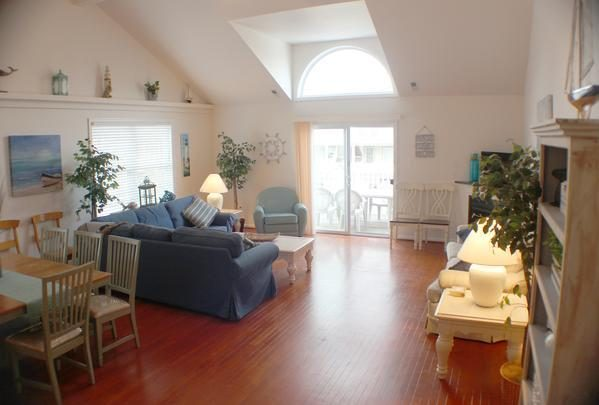 Huge 5Br/3Ba Townhouse - 1 Block To Boardwalk & Beach, 5 Bedrooms, 3 Bathrooms, Sleeps 14