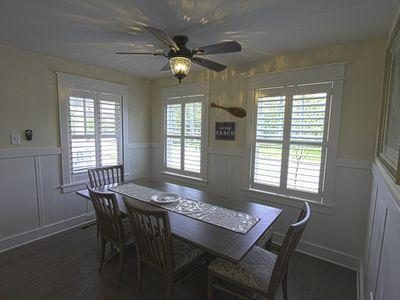 Breakfast nook with bench