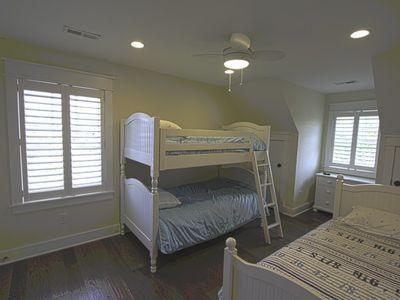 Kids room - 3 twin beds