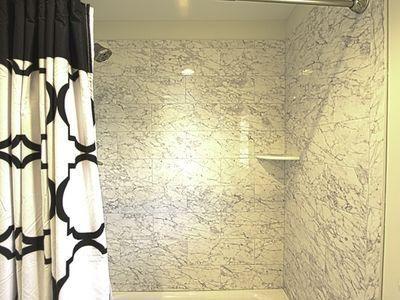 Kids room - shower/tub combo
