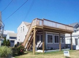 Charming Stone Harbor Cottage 2 Blocks from Beach-Ocean View Deck (221 110th Street)