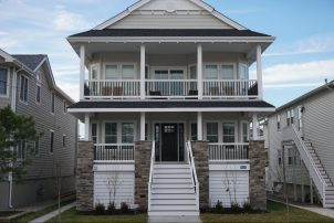 Beautiful South end property - 4BR - 2nd floor - 1.5 blocks to beach!