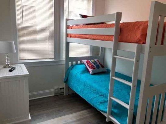 3rd bedroom/twin bunk beds