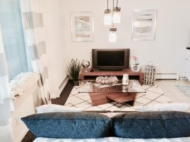 * Beach Block * Modern Condos * Sleep 8 to 80 * Linen & Beach Gear Included