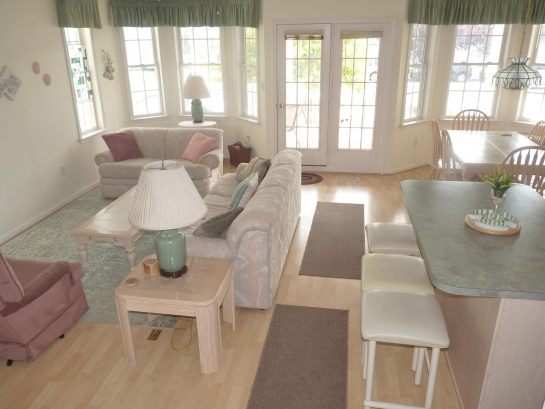 Open, sunny and airy living room area - great for relaxing and entertaining