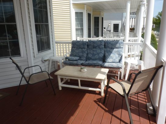 Large, breezy & comfotable covered front porch with swinging sofa. Great for happy hour and evening get togethers