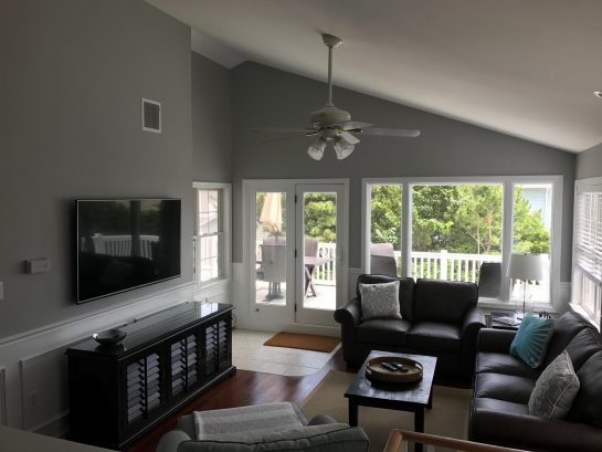 Spacious 2nd Floor Living Room - Access the VERY large deck from Living Room