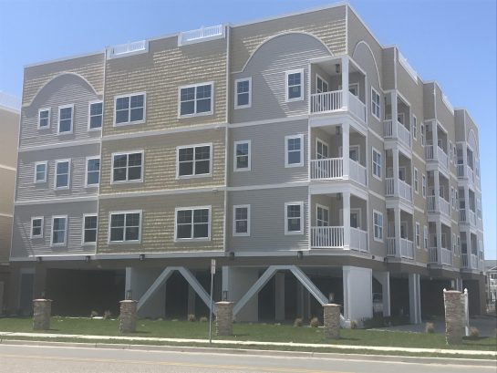 Wildwood Crest Sand Castle Resort, 7400 Ocean Avenue-New Clean Condo Steps to Beach