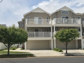 Beautiful Beach Block 3 BR condo, modern & spacious, E. 22nd Ave N. Wildwood
