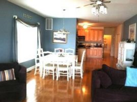 $100 JULY DISCOUNT. SPACIOUS 5 BEDRM/3 BATH Tastefully Decorated Townhome w/public parking pass