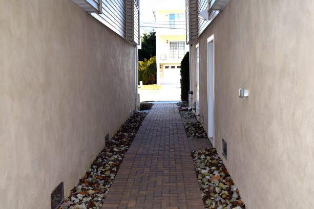Walkway to pool