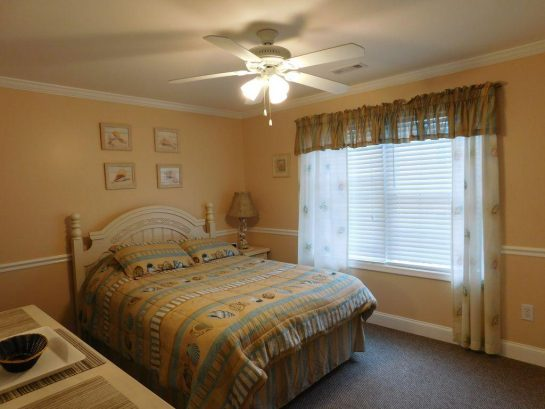 Master Bedroom with Queen size mattress