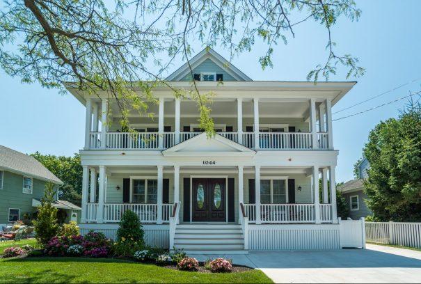 Gorgeous beach house just 4 blocks to the Ocean