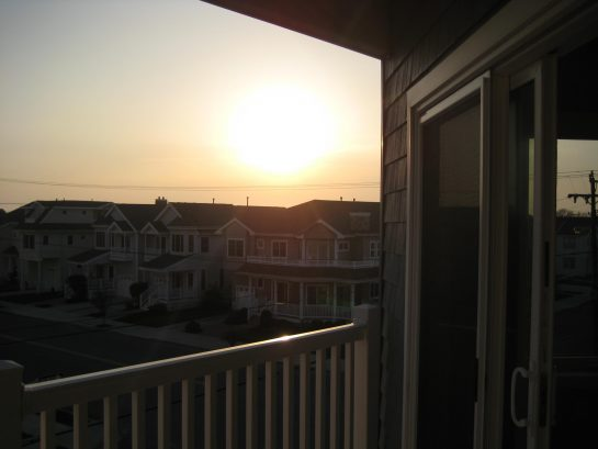 Gorgeous 3 BR Condo, Elevator, Pool, Ocean Views!!