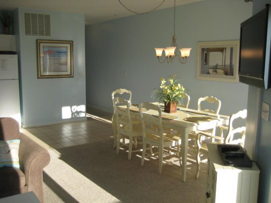 Full dining room table seating for the entire family!