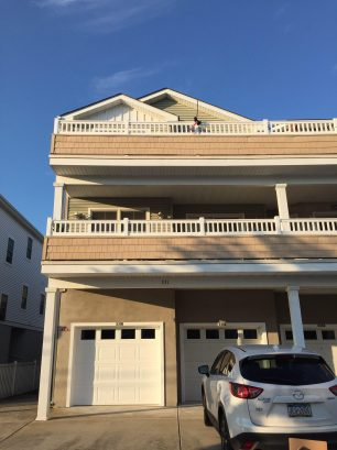 ** SPECIAL****18th Ave Beautiful Condo 1 1/2 blocks to the beach!!