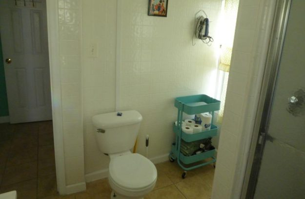 Large bathroom - second floor