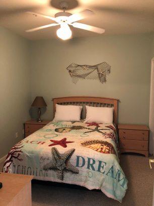 One of the queen bedrooms