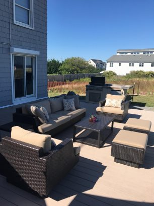 Deck w/outdoor Seating