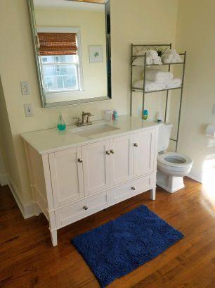 Large 2nd Floor Bathroom