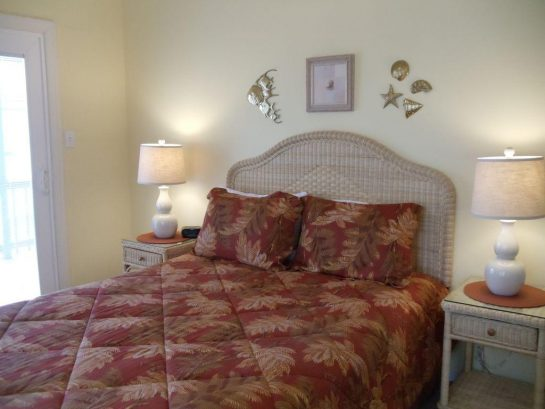 Second Bedroom (Queen Bed), 2 night tables, dresser, closet with flat screen tv