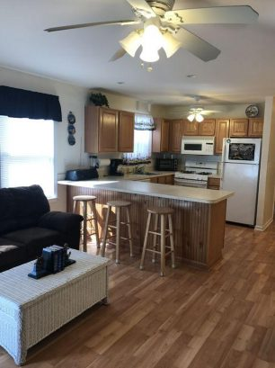 Kitchen with Full Size Appliances