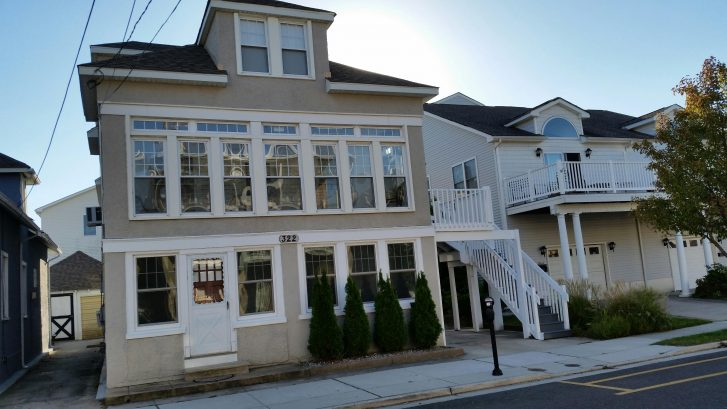 Superb Wildwood 2 Bedroom Rental 1/2 Block from Boardwalk!