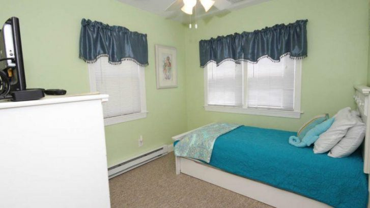 Bedroom three and Trundle bed - one pulls out from underneath (sleeps 2) and Flat TV