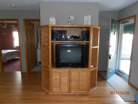 """TV in Entertainment center has been replaced with 32"""" Flat screen"""