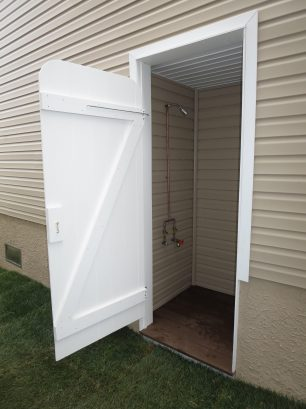 External enclosed Hot/Cold shower
