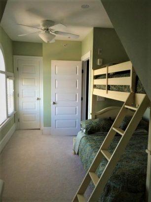 Bedroom 4 - Full/Twin Bunk