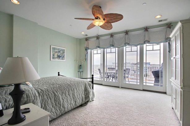 Jr. Master Bedroom with Queen Size Bed