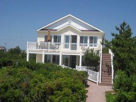 Oceanfront with PRIVATE BEACH * Elevator