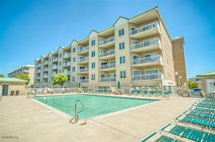 NEW RENTAL~Georgeous Wildwood Crest Condo w/ Pool Near Beach!
