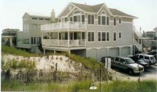 BEAUTIFUL OCEANFRONT DUPLEX * Amazing Views 1st Floor * 206 E. 31st Street