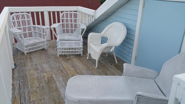 The Rooftop Deck is great gathering spot. Cushions provided in attic storage. Ambiant Rope lights!