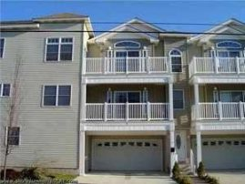 BEACH BlOCK Condo with Great Amenities