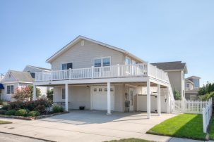 Immaculate Home in South End Stone Harbor- Room for the extended family, CLOSE TO BEACH