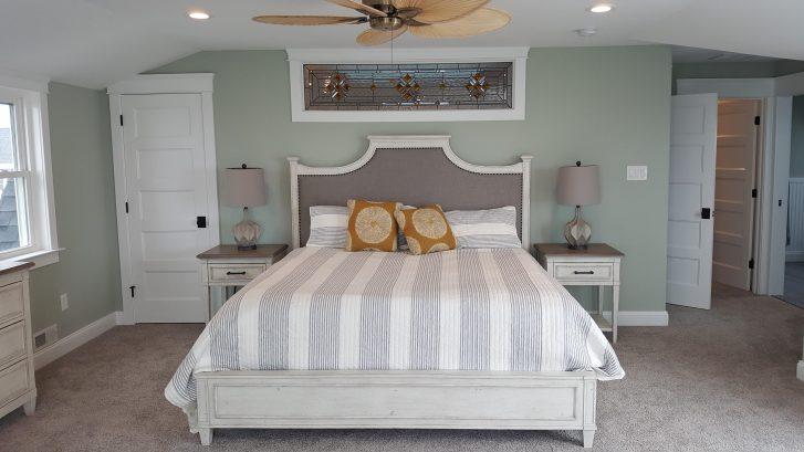3rd floor master - king bed