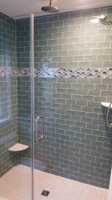 1st floor south queen bedroom - bath