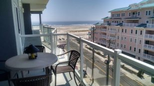 Beach Block Luxurious Townhouse in The Crest - Weeks/Wkends In Sept/Oct still available!