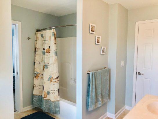 3rd fl bath-  private toilet/water closet, tub/shower