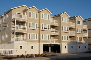 Newer Wildwood Crest Rental Near Beach with Pool and All the Amenities