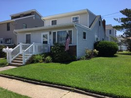 Cute Beach Block Duplex - Rent One or Both Units!