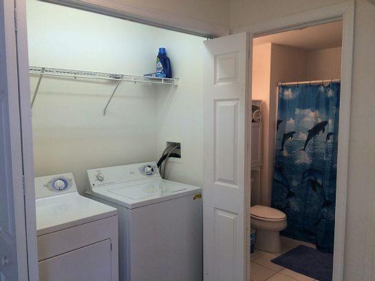 Full washer/dryer, full bath 2nd floor