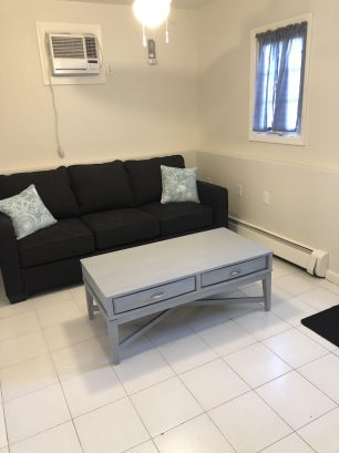 Private Family rm w/brand new queen sleeper &  full bath