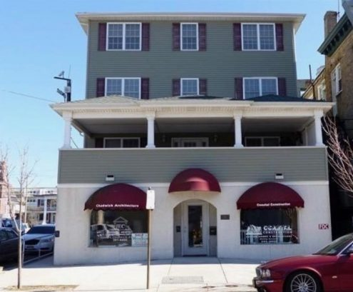 Upscale Condo in desirable location easy walk to beach and boards WiFi/Cable and Elevator