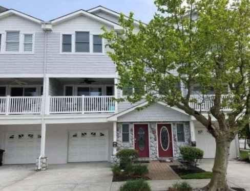 GORGEOUS ... Townhouse 1 Blk to Beach / Boards !! SPECIAL 8/24 - 8/30 $1995.
