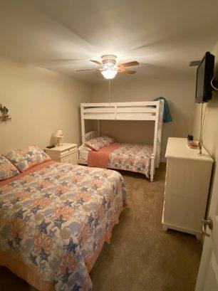 "Bedroom #3 w/2 full beds, single bunk, 32""HDTV"